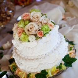 Wedding Cake at Lake Calhoun Beach Club